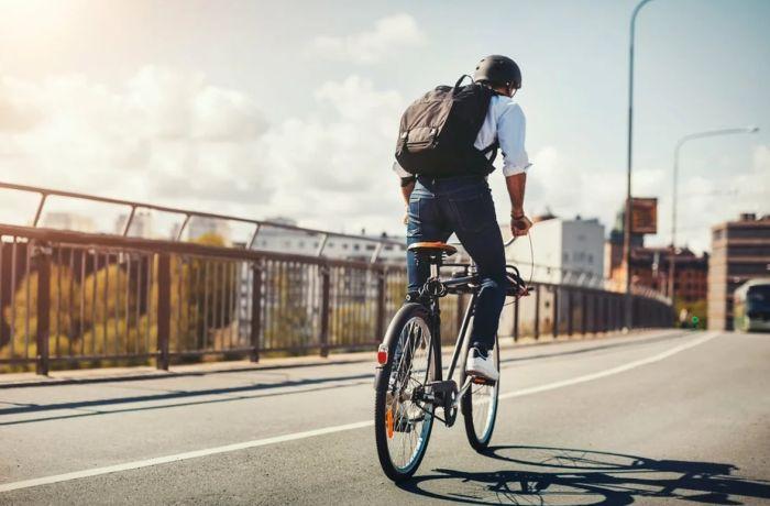 парни на велосипеде нравятся девушкам